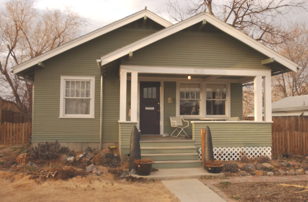 The completed Craftsman style house at 405 E. Oak Street.